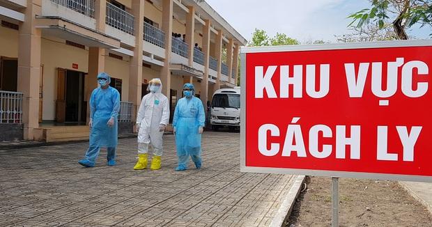 36 người tiếp xúc với nam tiếp viên Vietnam Airlines đã âm tính với SARS-CoV-2, trong đó có mẹ ruột - Ảnh 1.