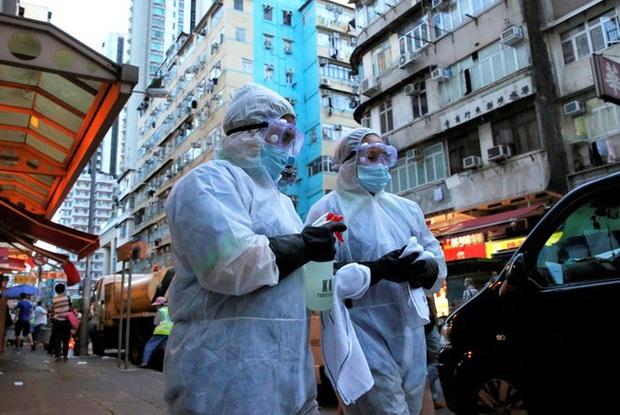 Hong Kong (Trung Quốc) tuyên bố siết chặt các biện pháp phòng dịch - Ảnh 1.