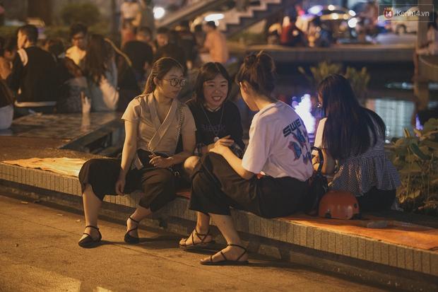 Bao lâu rồi bạn bát phố mà không ghé Hồ Con Rùa - điểm check-in quen thuộc một thời của sinh viên Sài Gòn? - Ảnh 9.