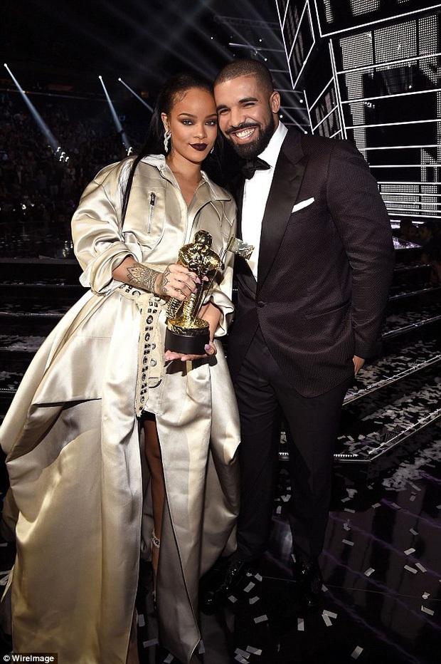 Hollywood thêm cặp từ friendzone hoá tình nhân: Nữ hoàng kem trộn Rihanna hẹn hò rapper đình đám sau 7 năm làm bạn? - Ảnh 6.