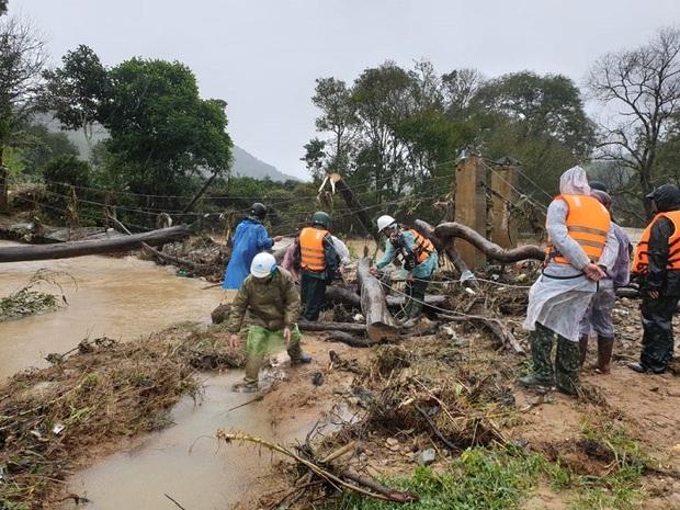 Lâm Đồng: Đã tìm thấy thi thể 1 nữ nạn nhân bị lũ cuốn trôi khi đi du lịch - Ảnh 1.