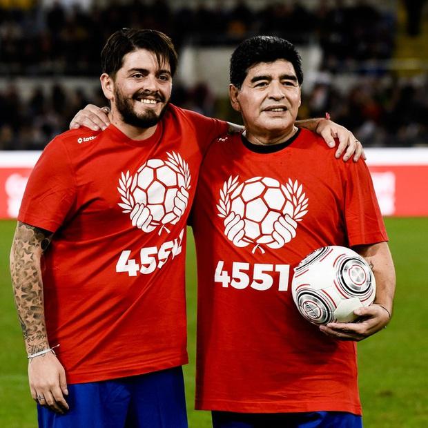 Con trai Maradona nổi giận, dọa dẫm 2 phóng viên vì phát ngôn thiếu suy nghĩ về cha mình - Ảnh 2.