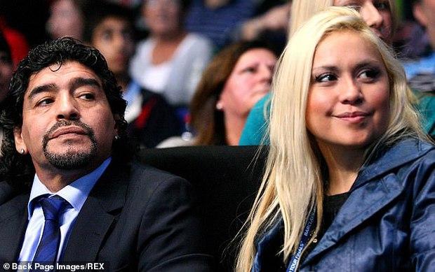 Lời nhắn cuối cùng của huyền thoại Maradona gửi cho bạn trai của tình cũ trước lúc mất: Hãy chăm sóc cô ấy và thiên thần nhỏ của tôi - Ảnh 3.