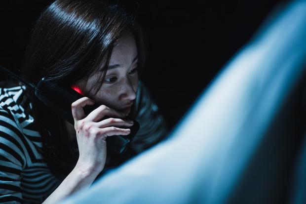 Ác nữ gây ám ảnh của THE CALL: Biến thái, tàn bạo lại khỏe như siêu nhân, bảo sao hành Park Shin Hye tới bến - Ảnh 9.