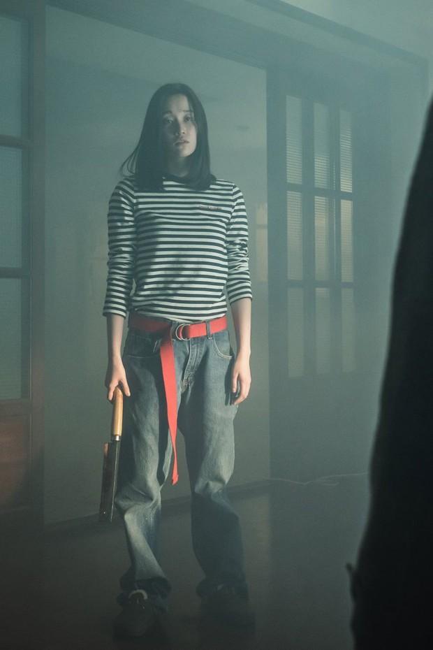 Ác nữ gây ám ảnh của THE CALL: Biến thái, tàn bạo lại khỏe như siêu nhân, bảo sao hành Park Shin Hye tới bến - Ảnh 5.
