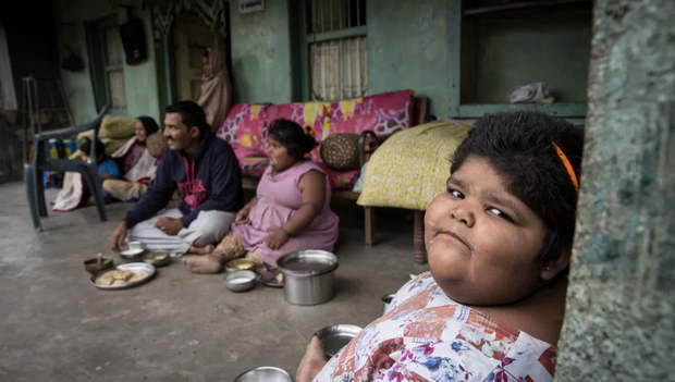Gia đình nghèo có 3 con bị bệnh béo phì, bố đòi bán thận kiếm tiền cứu chữa từng thu hút sự chú ý của truyền thông thế giới giờ ra sao? - Ảnh 12.