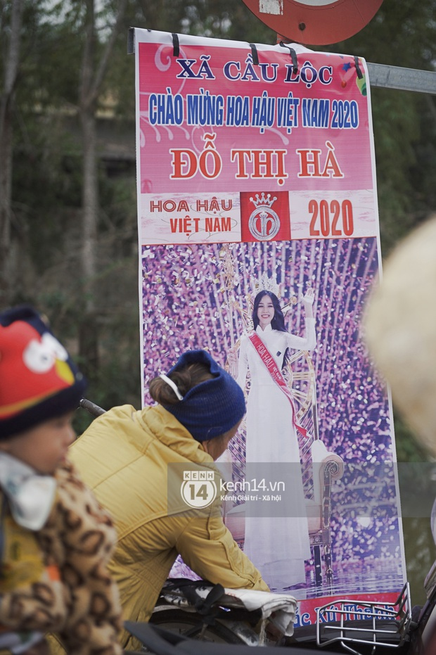 Hoa hậu Việt Nam Đỗ Thị Hà về làng: Người đẹp đeo vương miện, rạng rỡ phát biểu trước toàn thể người dân, Huyện Hậu Lộc thưởng 5 triệu đồng - Ảnh 38.