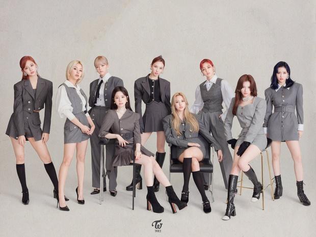 Bị BLACKPINK vượt mặt trong năm 2020 nhưng TWICE vẫn là nhóm nữ đầu tiên tẩu tán 10 triệu album, lập kỷ lục khủng ở mảng bán đĩa - Ảnh 1.