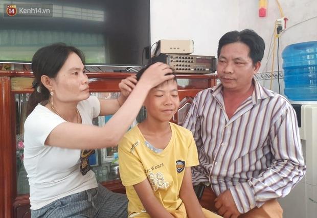 Bé trai 12 tuổi cùng bạn đạp xe 400km từ Cà Mau lên TP.HCM tìm mẹ đã được tặng xe đạp mới: Con nhớ mẹ lắm, con không muốn xa mẹ nữa đâu - Ảnh 3.