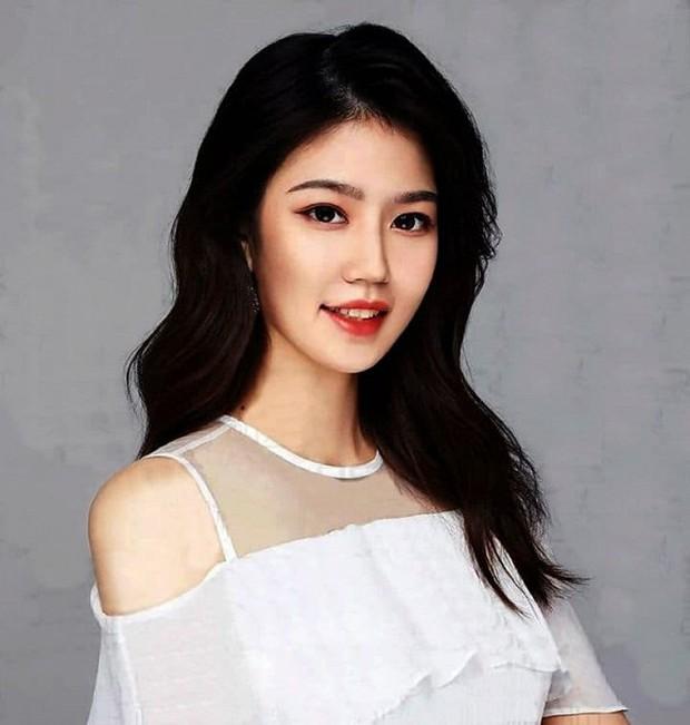 Hoa hậu Hoàn vũ Trung Quốc vừa lên ngôi đã bị chê bai nhan sắc thậm tệ, ảnh thật và ảnh trên mạng khác nhau một trời một vực - Ảnh 9.