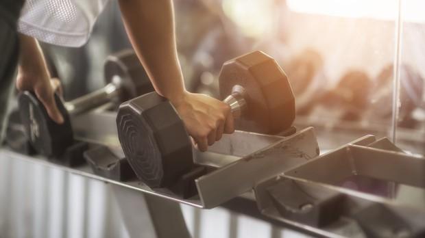 Cố NS Chí Tài đột quỵ khi đang tập luyện: chuyên gia tim mạch cảnh báo việc vận động quá sức có thể gây tai biến, tử vong cao - Ảnh 7.