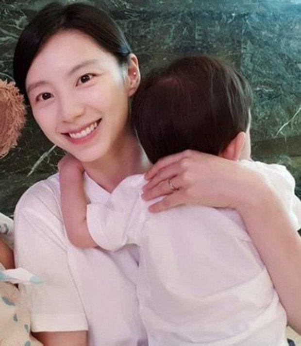 Mỹ nhân Vườn Sao Băng lần đầu lộ diện trên MXH sau 3 năm vắng bóng vì nghi án nhận biệt đãi lúc sinh con cho Bae Yong Joon - Ảnh 4.