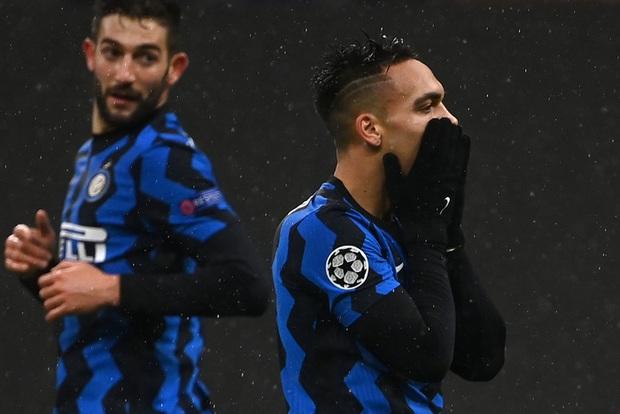 Inter Milan bị loại tức anh ách vì tình huống đứng vị trí hết sức vô duyên của nghệ sĩ hài Lukaku - Ảnh 2.
