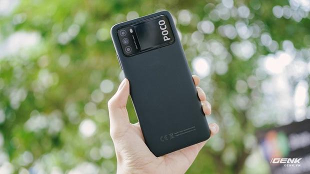 Trên tay POCO M3: Chỉ hơn 3 triệu đồng đã có mặt lưng giả da, loa kép, camera 48MP, pin khủng 6.000mAh - Ảnh 4.