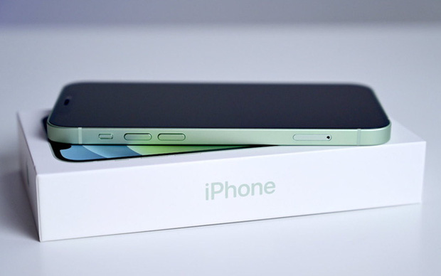 Apple có thể đang cân nhắc việc loại bỏ cáp sạc và tất cả các phụ kiện khác trong hộp iPhone - Ảnh 1.
