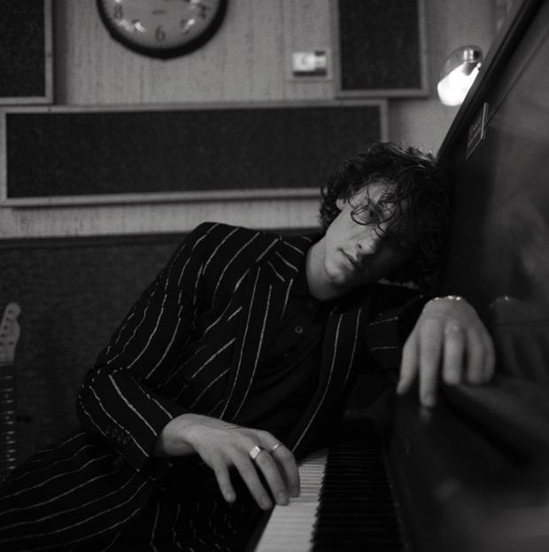 Vnet chấm 2 điểm, Pitchfork chấm hẳn 5 điểm cho album Wonder của Shawn Mendes nhưng nhận xét: Nhạt như trai mới yêu - Ảnh 3.