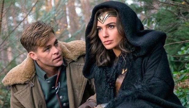 Xem lẹ 5 phim để nắm thóp Wonder Woman 1984: Chị đại vậy mà suýt chết dưới tay 50 Cheetah, rụng rời chưa! - Ảnh 17.