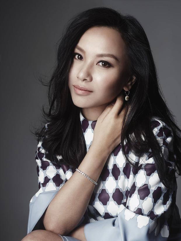 Nữ tỷ phú mang họ mẹ để giấu kín thân phận suốt 10 năm, 26 tuổi trở thành người phụ nữ trẻ tuổi giàu có nhất Trung Quốc - Ảnh 8.