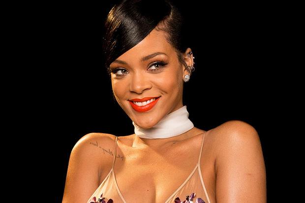 Rihanna đúng là nữ hoàng thảm đỏ của Hollywood: Bức tử vòng 1 ngồn ngộn, mặc như nude 100%, đẹp nhất lại là lúc hở tinh tế - Ảnh 16.