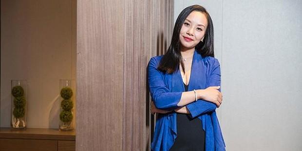 Nữ tỷ phú mang họ mẹ để giấu kín thân phận suốt 10 năm, 26 tuổi trở thành người phụ nữ trẻ tuổi giàu có nhất Trung Quốc - Ảnh 2.