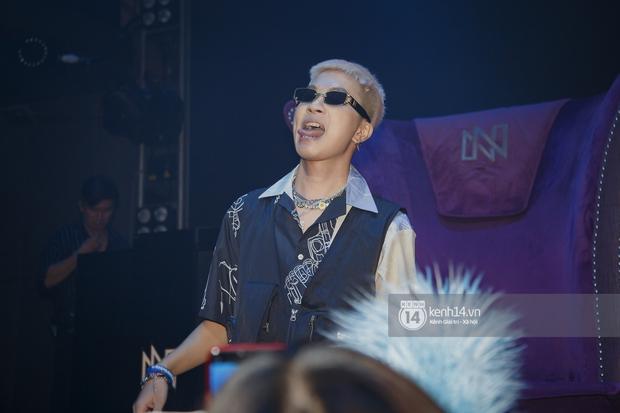 R.Tee vừa diss antifan vừa quẩy tung với 16 Typh, Yuno Bigboi nhá hàng bản demo mới toanh hậu Rap Việt - Ảnh 9.