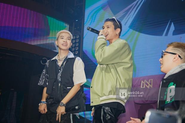 R.Tee vừa diss antifan vừa quẩy tung với 16 Typh, Yuno Bigboi nhá hàng bản demo mới toanh hậu Rap Việt - Ảnh 12.
