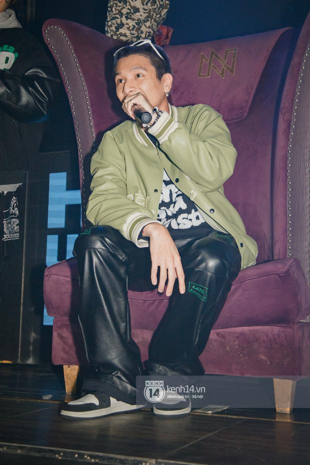 R.Tee vừa diss antifan vừa quẩy tung với 16 Typh, Yuno Bigboi nhá hàng bản demo mới toanh hậu Rap Việt - Ảnh 11.