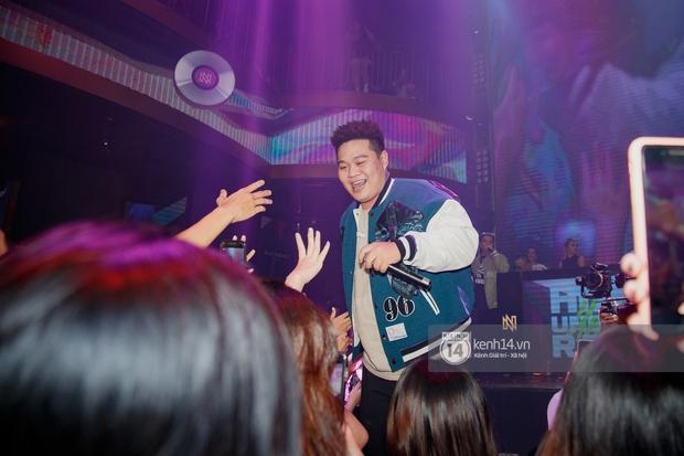 R.Tee vừa diss antifan vừa quẩy tung với 16 Typh, Yuno Bigboi nhá hàng bản demo mới toanh hậu Rap Việt - Ảnh 17.