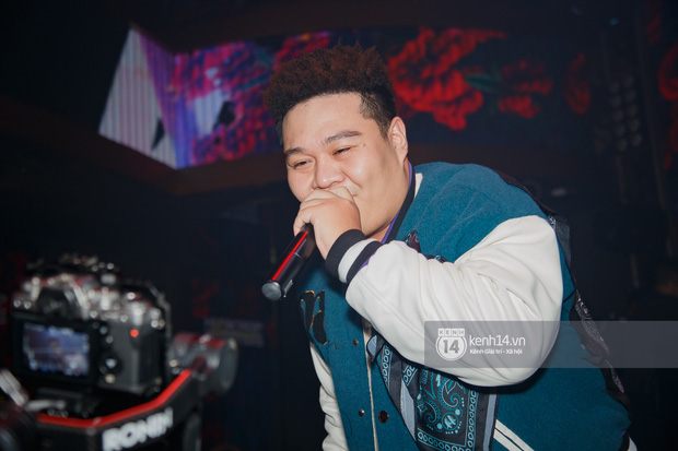 R.Tee vừa diss antifan vừa quẩy tung với 16 Typh, Yuno Bigboi nhá hàng bản demo mới toanh hậu Rap Việt - Ảnh 15.