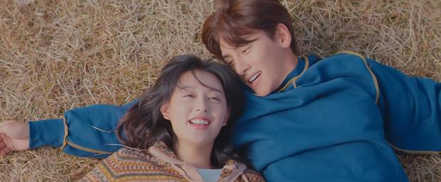 Ji Chang Wook đầu ấp tay gối Kim Ji Won cực tình tứ ở teaser mới của Lovestruck In The City - Ảnh 5.