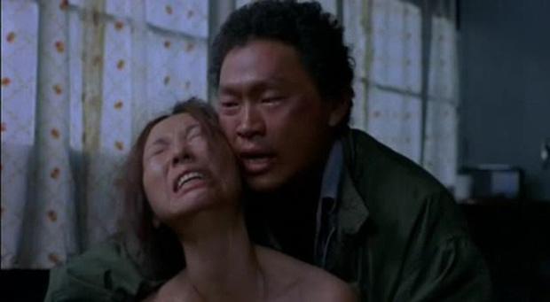 5 bộ phim kinh điển của cố đạo diễn Kim Ki Duk: 5/5 đều gây sốc cả thế giới vì đầy bạo lực và tình dục - Ảnh 9.