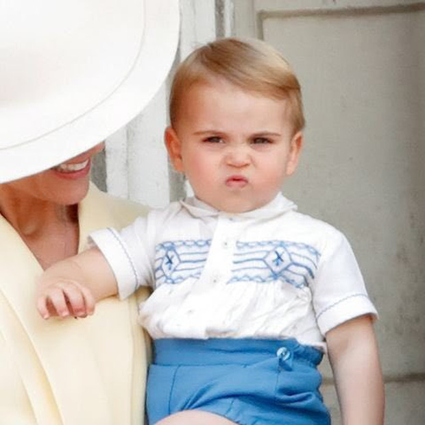 Lần đầu tiên xuất hiện trên thảm đỏ cùng anh chị, Hoàng tử út Louis nhà Công nương Kate đã chiếm trọn spotlight vì vẻ đáng yêu hết mức - Ảnh 7.
