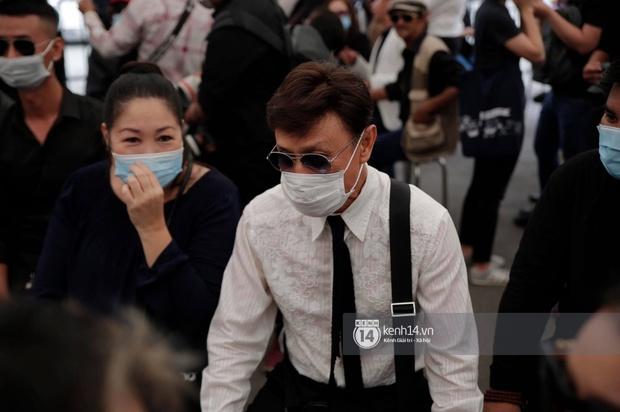 Toàn cảnh tang lễ cố NS Chí Tài: Cả showbiz đến nói lời tiễn biệt, trời đổ mưa trước giờ linh cữu chuyển ra sân bay về Mỹ - Ảnh 98.
