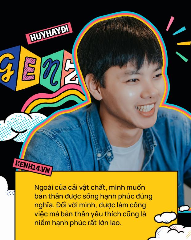 Huy Hay Đi - chàng travel blogger GenZ hot nhất hiện nay: Từng tổn thương vì những phán xét về chuyện giới tính, không ngại việc bị so sánh với đàn anh Khoai Lang Thang - Ảnh 13.
