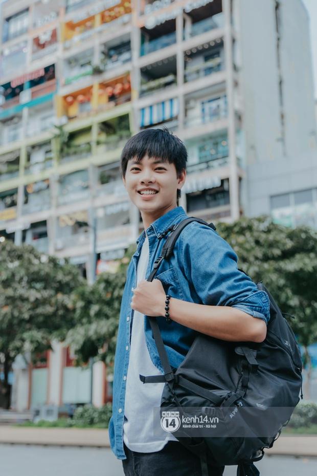 Huy Hay Đi - chàng travel blogger GenZ hot nhất hiện nay: Từng tổn thương vì những phán xét về chuyện giới tính, không ngại việc bị so sánh với đàn anh Khoai Lang Thang - Ảnh 4.