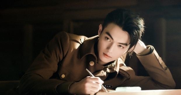 Báo Mỹ công bố top 10 mỹ nam đẹp trai nhất Trung Quốc: Dương Dương - Đặng Luân lép vế hoàn toàn vì nam thần Trần Tình Lệnh - Ảnh 2.