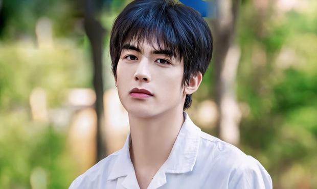 Báo Mỹ công bố top 10 mỹ nam đẹp trai nhất Trung Quốc: Dương Dương - Đặng Luân lép vế hoàn toàn vì nam thần Trần Tình Lệnh - Ảnh 3.
