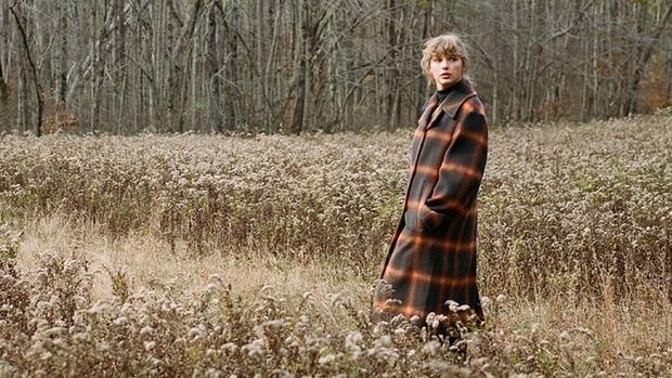 Album evermore mới được Taylor Swift hoàn thành vào tuần trước, người hâm mộ khen chê có đủ, đánh giá thế nào so với folklore? - Ảnh 10.
