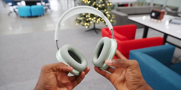 Cận cảnh AirPods Max: Mẫu headphone giá 549 USD của Apple có gì hot? - Ảnh 10.