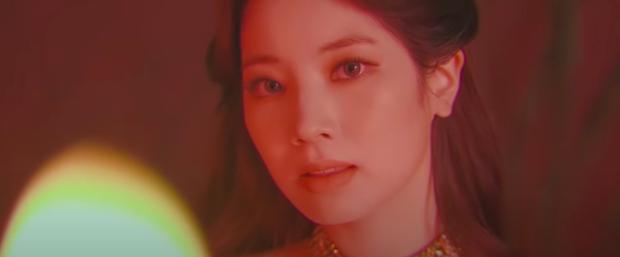 TWICE tung teaser cho Cry For Me gây sốt tại MAMA 2020: Visual đỉnh cao, concept ghi điểm, viết tiếp câu chuyện của I Cant Stop Me? - Ảnh 5.