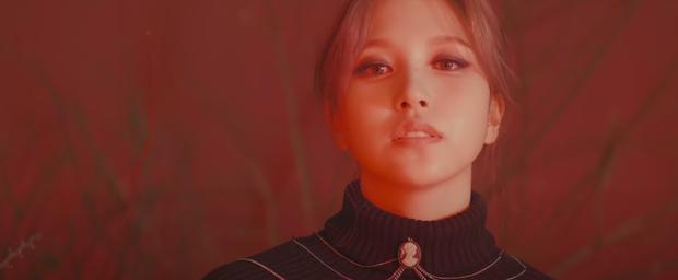 TWICE tung teaser cho Cry For Me gây sốt tại MAMA 2020: Visual đỉnh cao, concept ghi điểm, viết tiếp câu chuyện của I Cant Stop Me? - Ảnh 10.