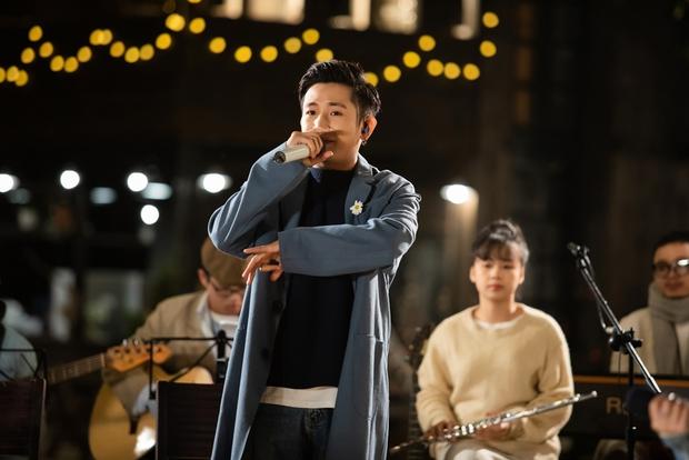AMEE, Ricky Star rủ rê Hoàng Dũng kết hợp trong Sao Anh Chưa Về Nhà, không gian Đà Lạt cực chill đủ làm trái tim tan chảy! - Ảnh 9.
