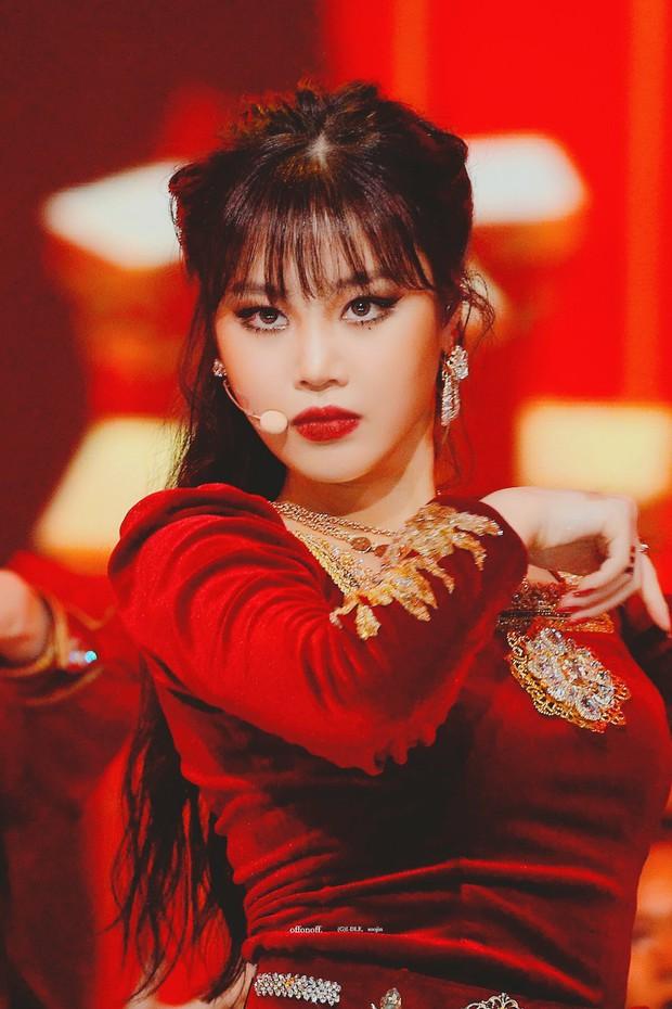 """Fan """"hú hồn"""" khi thấy ai như Soojin ((G)I-DLE) trong dàn dancer của aespa, CUBE trả lương thấp quá nên phải làm vũ công part-time hay gì? - Ảnh 5."""