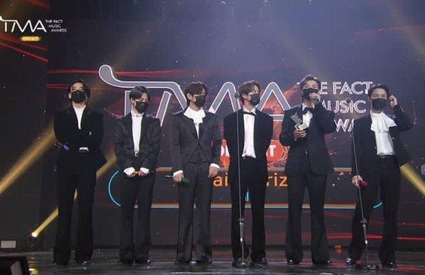 BTS gom hết Daesang của 1 lễ trao giải trong 3 năm liền, fan đề xuất: Đổi tên giải thành BTS luôn đi cho rồi! - Ảnh 6.