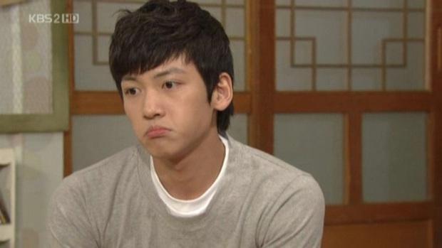 Chân lí phim Hàn: Lee Jong Suk muôn đời làm thánh hôn, Lee Min Ho mãi là cậu ấm giới siêu giàu á! - Ảnh 9.