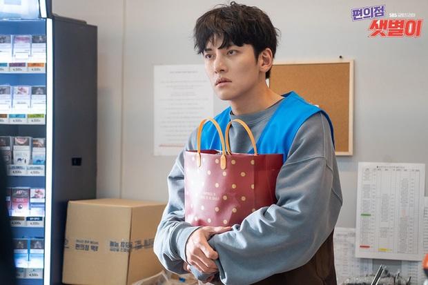 Chân lí phim Hàn: Lee Jong Suk muôn đời làm thánh hôn, Lee Min Ho mãi là cậu ấm giới siêu giàu á! - Ảnh 10.