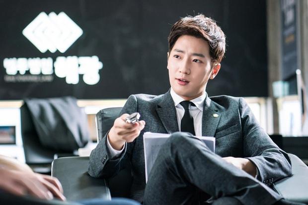 Chân lí phim Hàn: Lee Jong Suk muôn đời làm thánh hôn, Lee Min Ho mãi là cậu ấm giới siêu giàu á! - Ảnh 26.