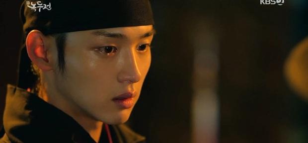 Chân lí phim Hàn: Lee Jong Suk muôn đời làm thánh hôn, Lee Min Ho mãi là cậu ấm giới siêu giàu á! - Ảnh 37.