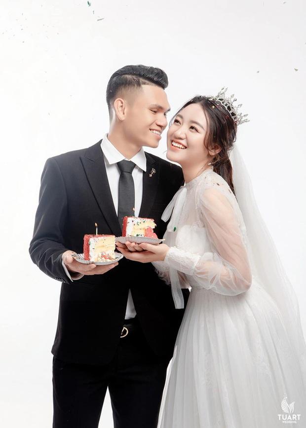 Hé lộ ảnh cưới của Xuân Mạnh và bạn gái: Ngọt ngào đúng nghĩa - Ảnh 1.