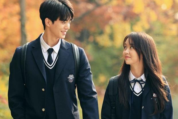 Chân lí phim Hàn: Lee Jong Suk muôn đời làm thánh hôn, Lee Min Ho mãi là cậu ấm giới siêu giàu á! - Ảnh 47.